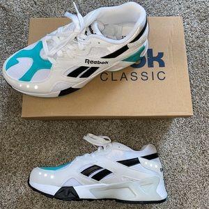 Reebok Aztrek Shoes size 8.5 women's